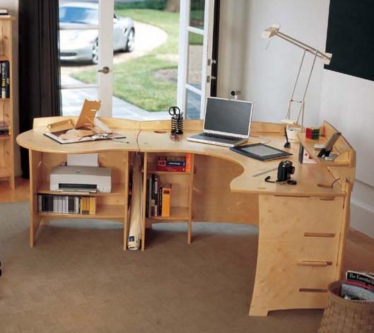 Элегантный компьютерный стол по персональному эскизу.